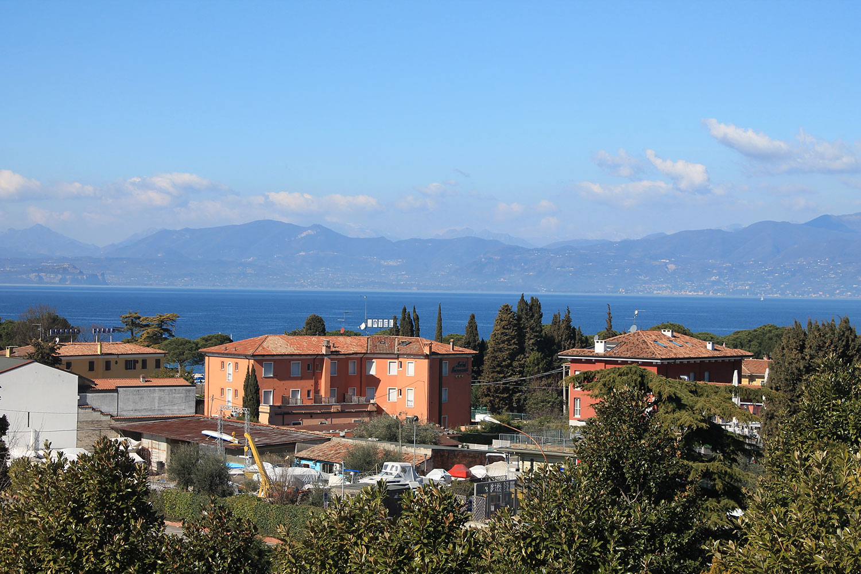 Territorio lago di garda residenza sante appartamenti for Appartamenti lago di garda affitto